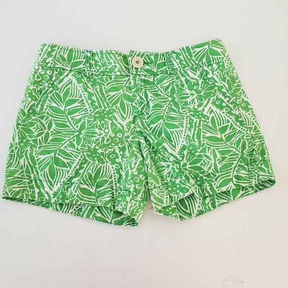Lilly Pulitzer Pants - Lilly Pulitzer Green Bean Giraffe Callahan Shorts